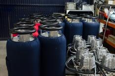 Gas-Zylinder werden zwar extern verschweisst, aber intern zusammengebaut